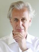 Het bestuur bestaat uit voorzitter Titus Bovenberg